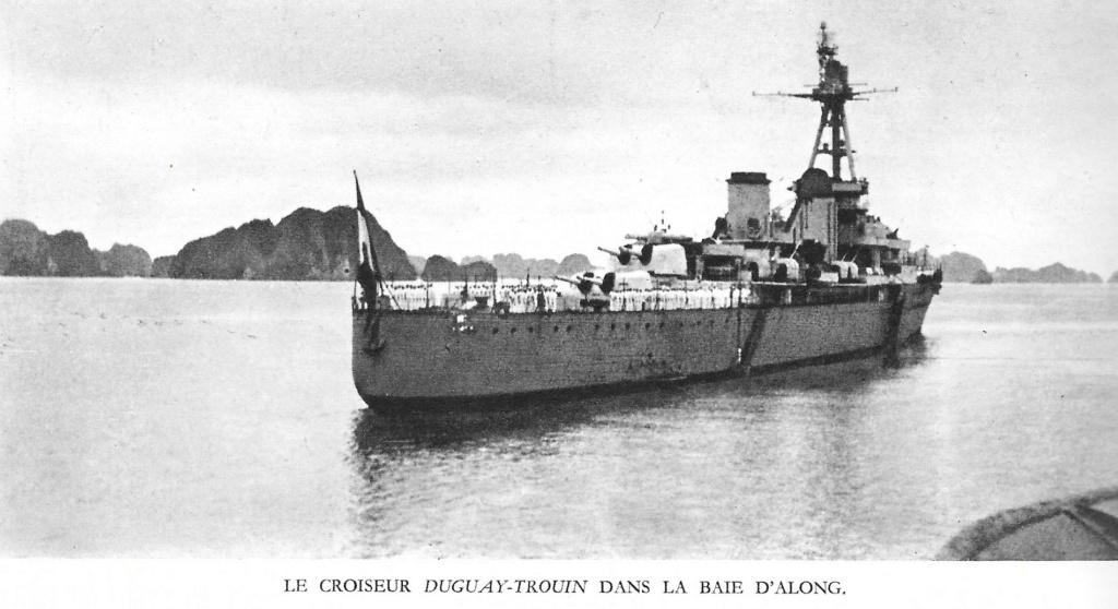 Le croiseur DUGUAY-TROUIN 0000711