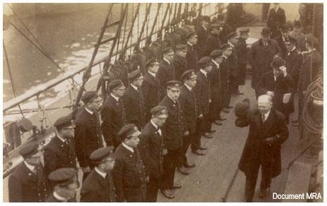 Navire école quatre mâts barque l'Avenir Aaveni10