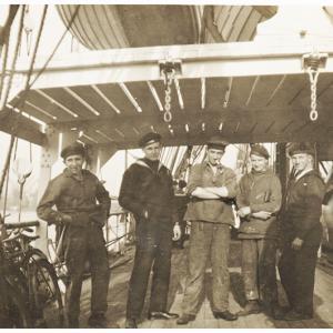 Navire école quatre mâts barque l'Avenir Aaveni11