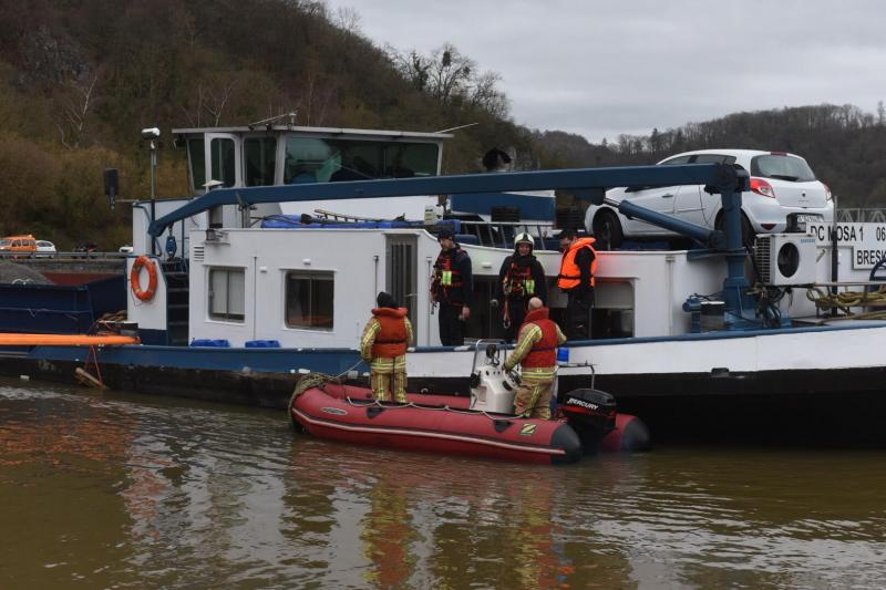 Anseremme (Dinant) - Page 22 Boat410
