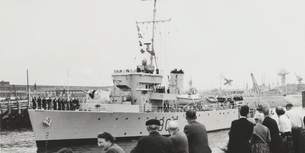 M/F 905 De Moor (ex HMS Rosario) - Page 5 De_moo11