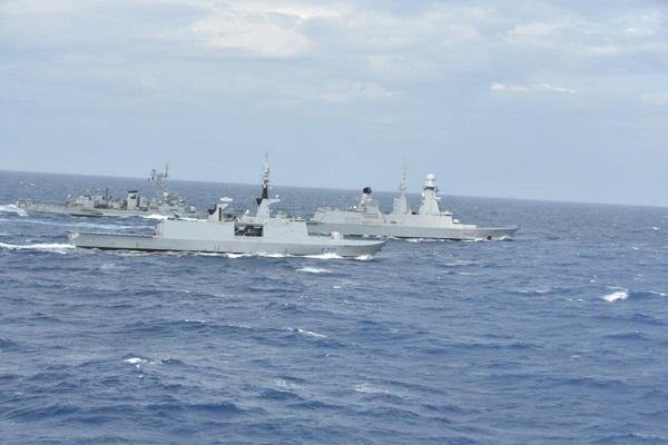 Les actualités de la Marine Française - Page 9 Ff10