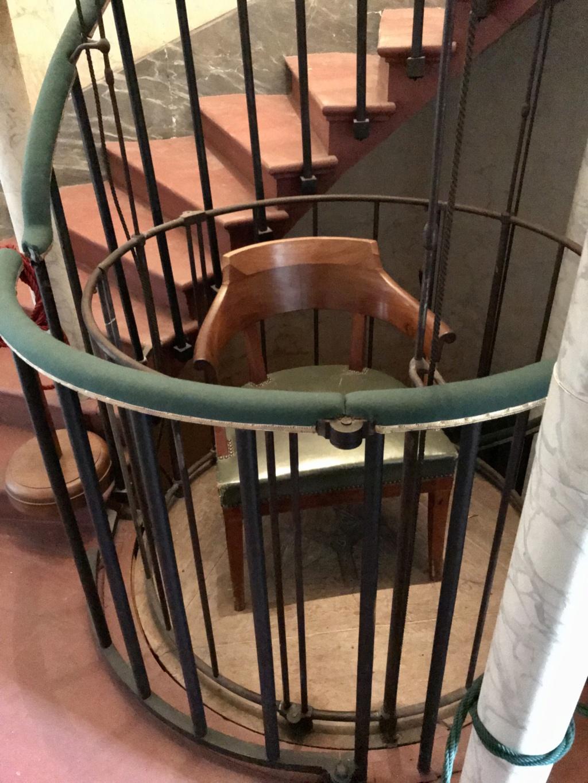 """La  """"chaise volante"""" de Versailles 09fc7e10"""