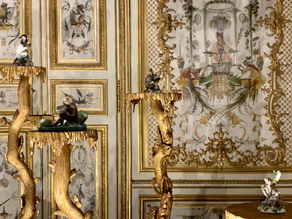"""Chantilly : Exposition """"La fabrique de l'extravagance"""", porcelaines de Meissen et de Chantilly  13965010"""