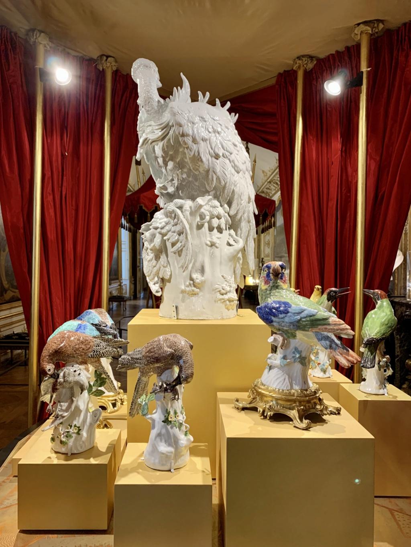 """Chantilly : Exposition """"La fabrique de l'extravagance"""", porcelaines de Meissen et de Chantilly  1442ae10"""