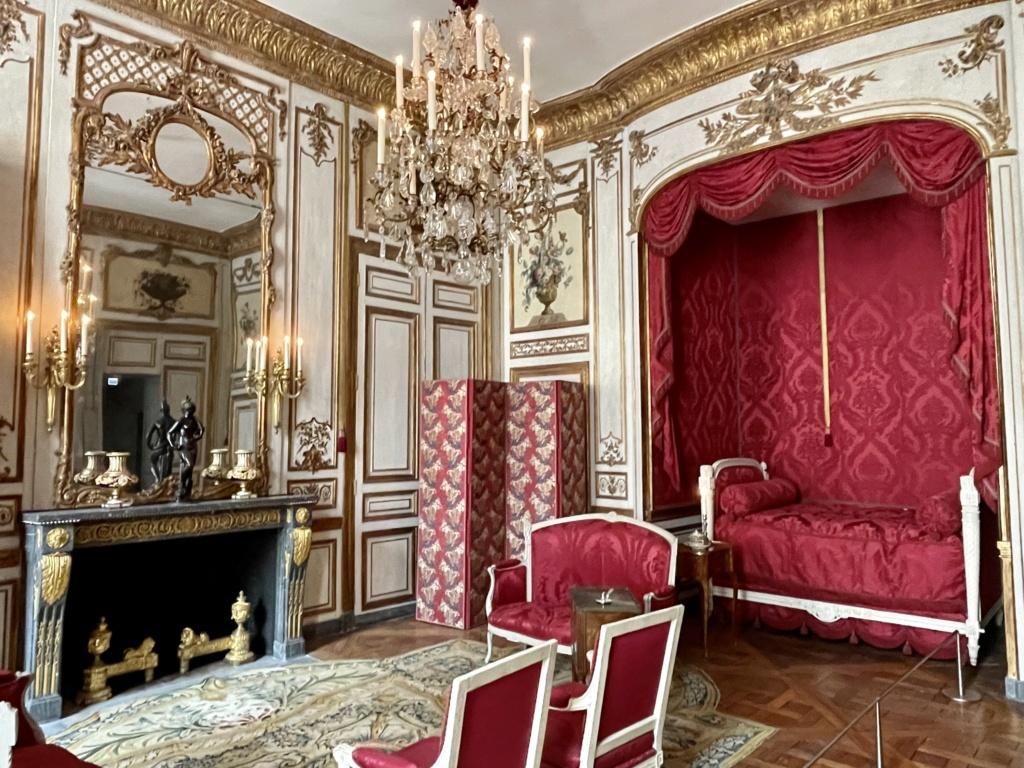 Le Garde-Meuble de la Couronne, actuel Hôtel de la Marine - Page 4 14b0a410