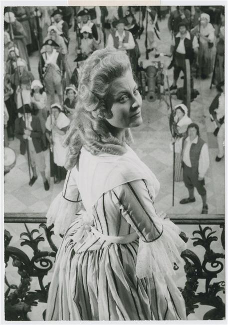 Marie-Antoinette, Reine de France de Jean Delannoy - Page 4 18-54410