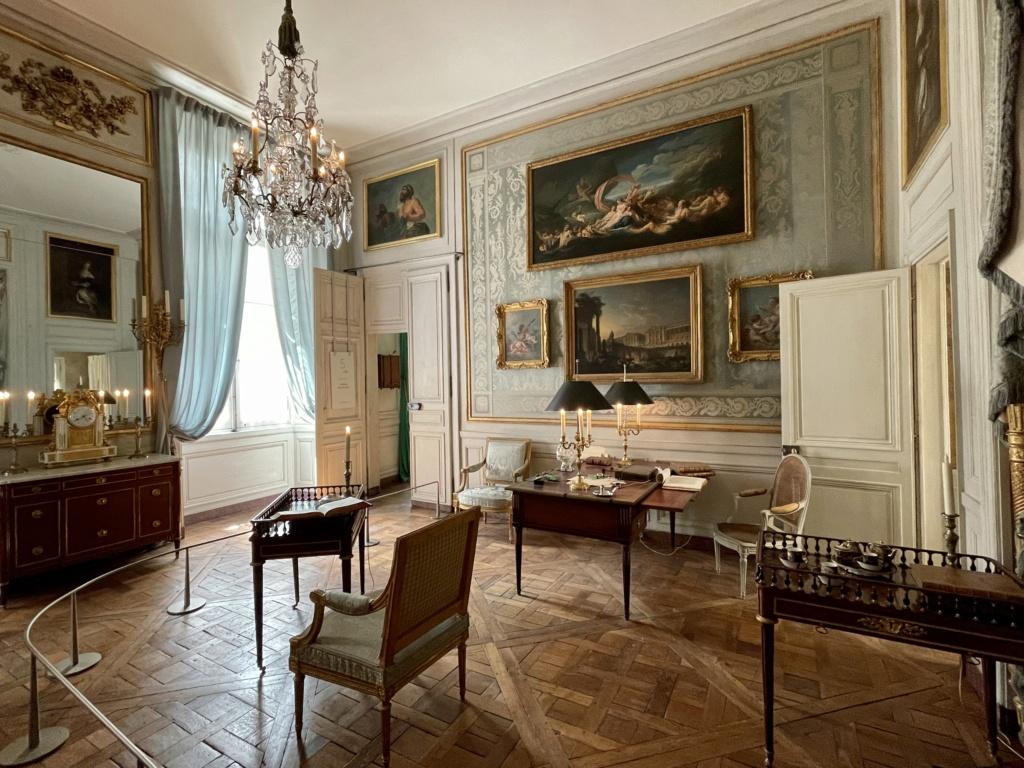 Le Garde-Meuble de la Couronne, actuel Hôtel de la Marine - Page 4 2423e710