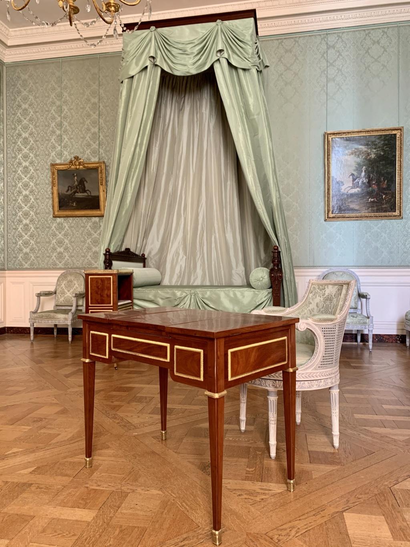 Chambre à coucher du Petit appartement de Marie-Antoinette, au rez-de-chaussée du château de Versailles - Page 3 2b3d8f10