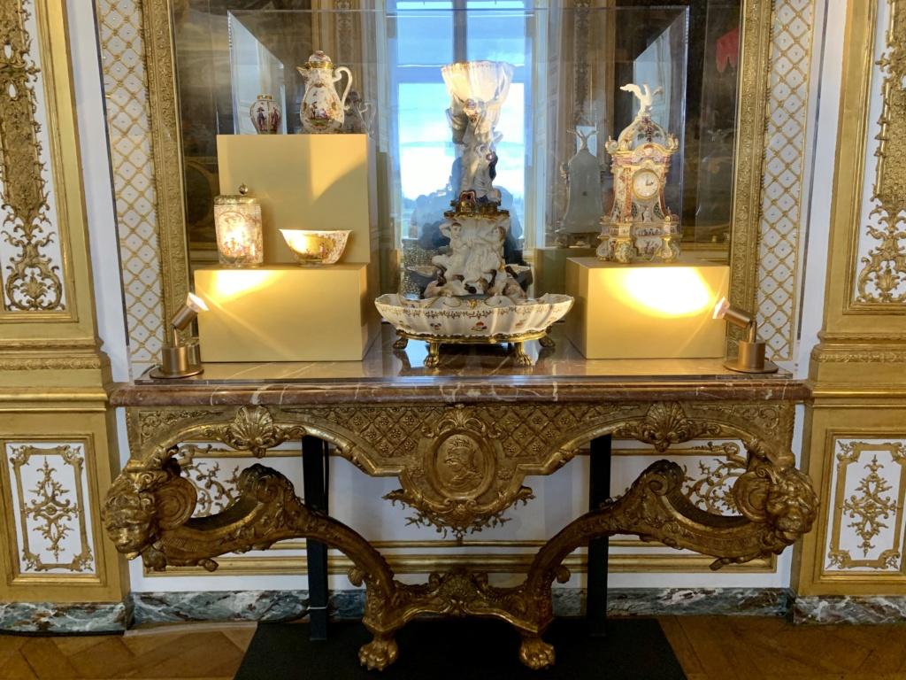"""Chantilly : Exposition """"La fabrique de l'extravagance"""", porcelaines de Meissen et de Chantilly  2db31d10"""