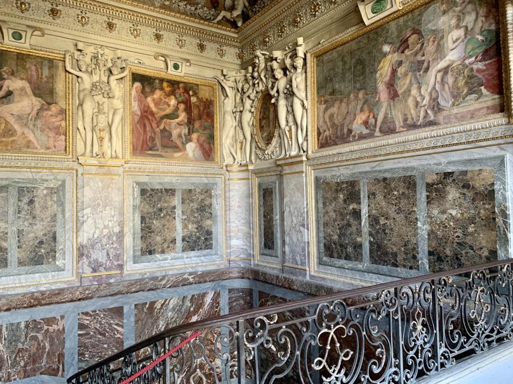Fontainebleau, les appartements royaux - Page 2 2dc5d210