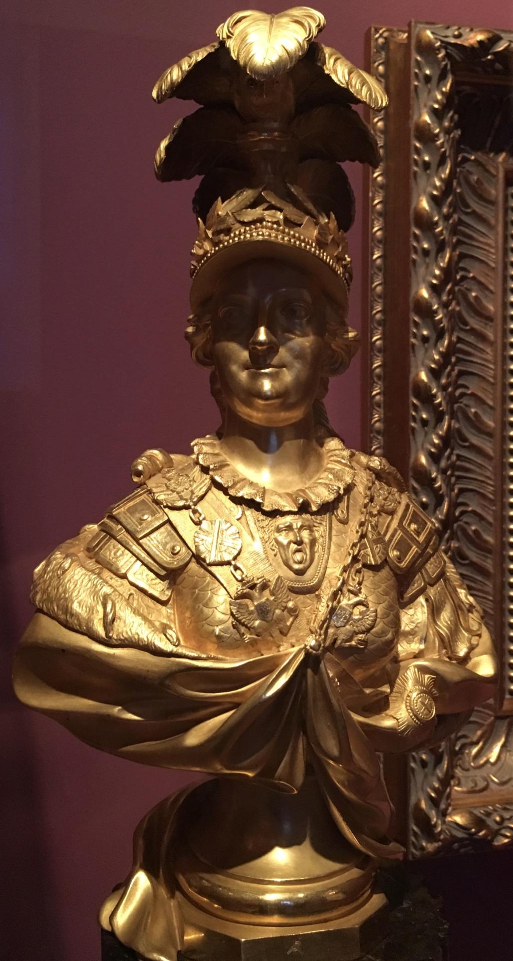 Une statue monumentale de la reine Marie-Antoinette sur le site du château de Saint-Cloud? 386a6810