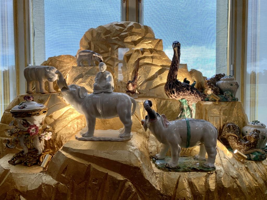 """Chantilly : Exposition """"La fabrique de l'extravagance"""", porcelaines de Meissen et de Chantilly  39318d10"""