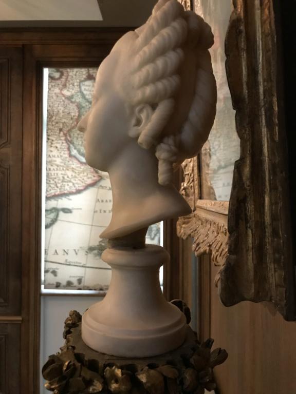 Buste de Marie-Antoinette sur piédestal dynastique, musée Cognacq Jay 3d876210