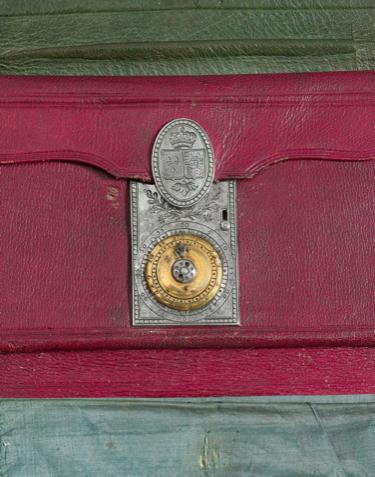 Portefeuilles aux armes de Marie-Antoinette, dauphine. 425eb210