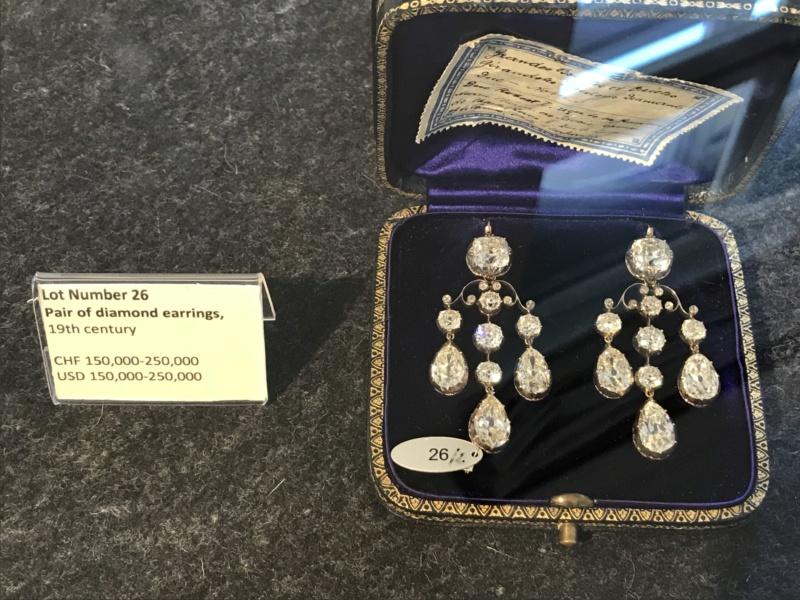 Bijoux de Marie-Antoinette : perles et diamants des Bourbon-Parme - Page 3 4defe710