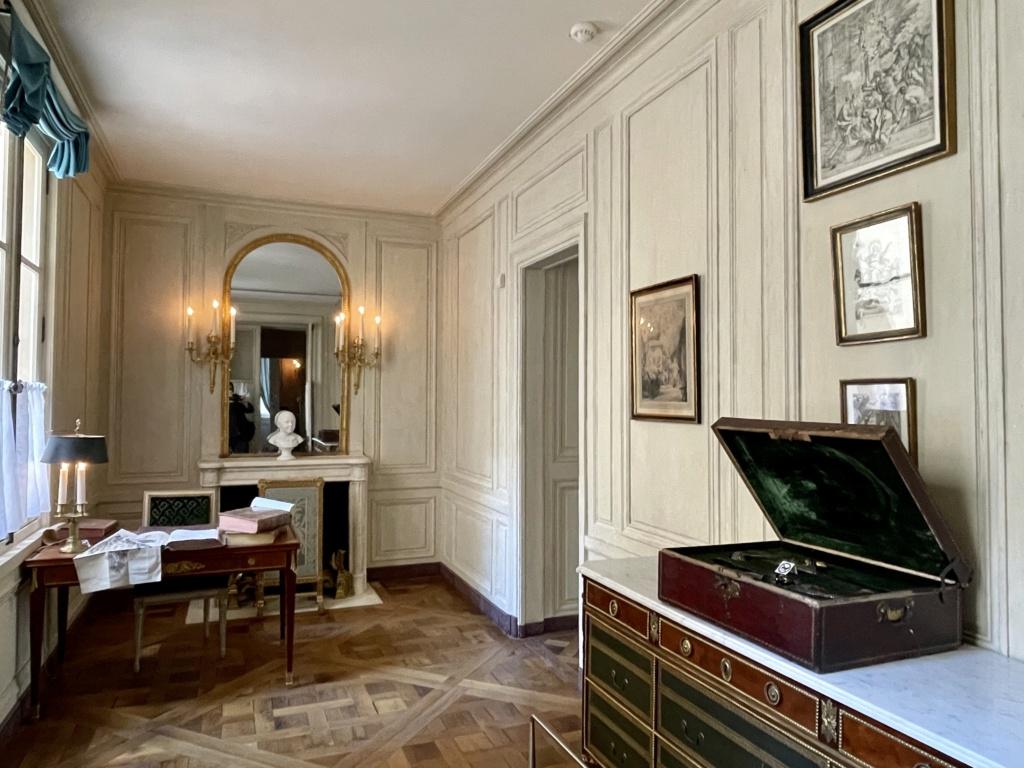 Le Garde-Meuble de la Couronne, actuel Hôtel de la Marine - Page 4 56e61110