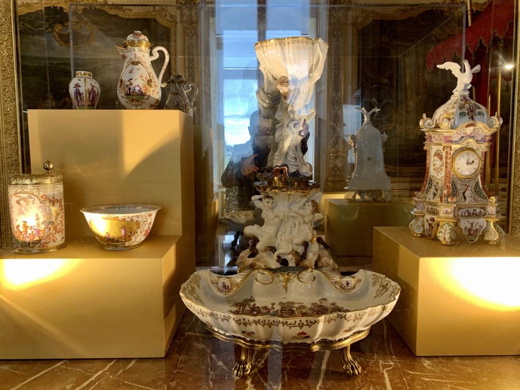 """Chantilly : Exposition """"La fabrique de l'extravagance"""", porcelaines de Meissen et de Chantilly  5adccd10"""
