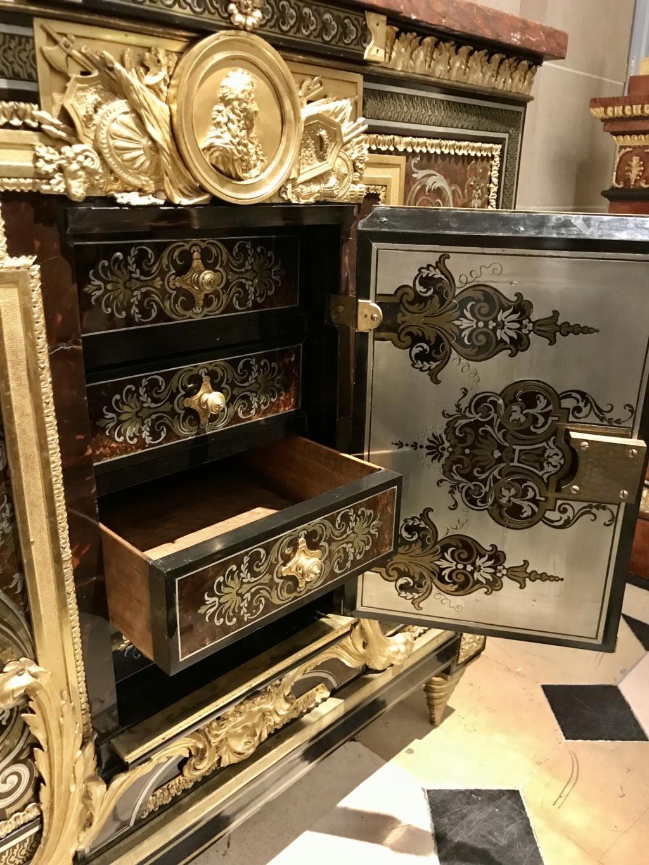 Le mobilier et le renouveau du « style Boulle » dans les années 1770-1780 : Etienne Levasseur et Adam Weisweiler 5d74d910