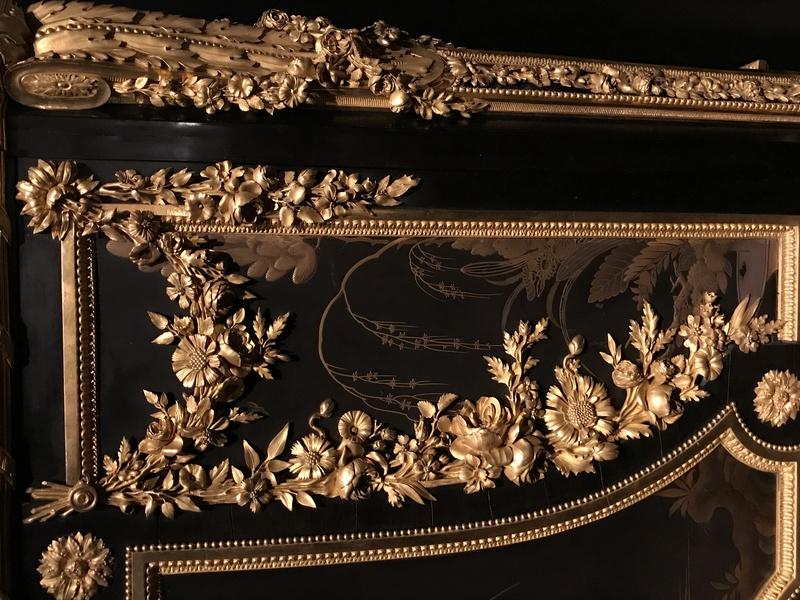 Chinoiseries et meubles de Marie-Antoinette : par Weisweiler, Macret et Riesener - Page 2 6050b110