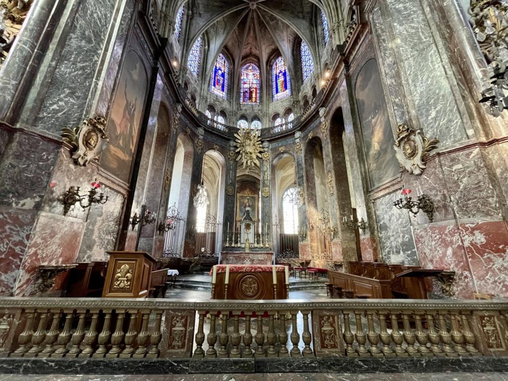 Mobilier royal à l'église St Jacques de Compiègne  71c45210
