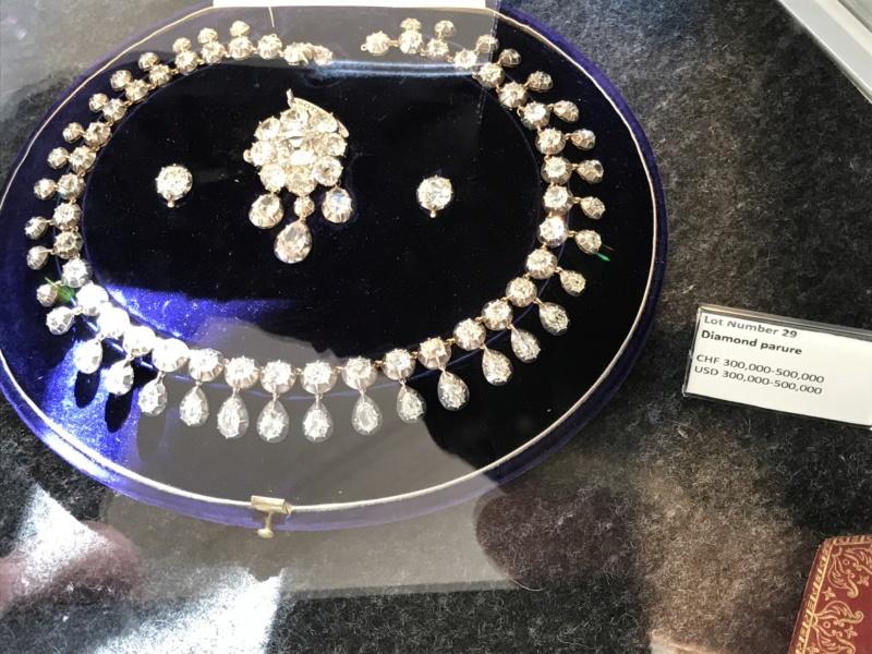 Bijoux de Marie-Antoinette : perles et diamants des Bourbon-Parme - Page 3 74638110