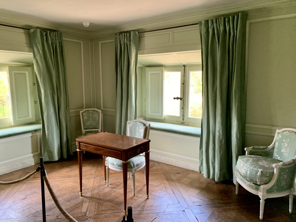 L'attique du Petit Trianon 8aa72c10