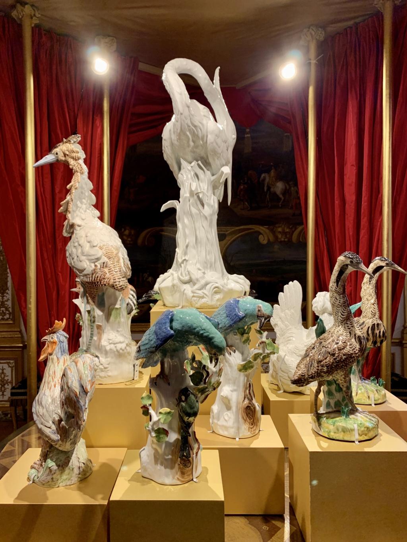 """Chantilly : Exposition """"La fabrique de l'extravagance"""", porcelaines de Meissen et de Chantilly  8baad010"""