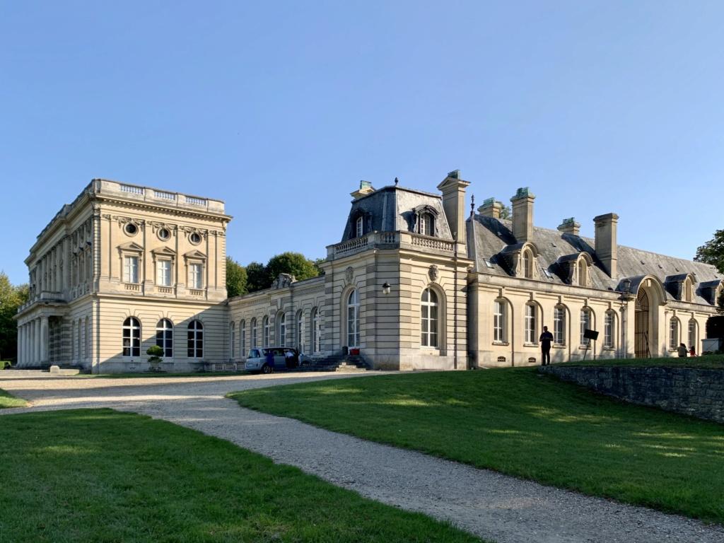 Le château de Bizy 936c4c10