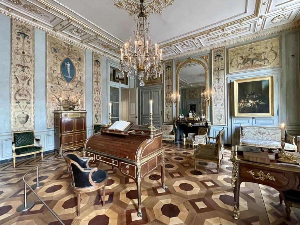 Le Garde-Meuble de la Couronne, actuel Hôtel de la Marine - Page 4 940de410