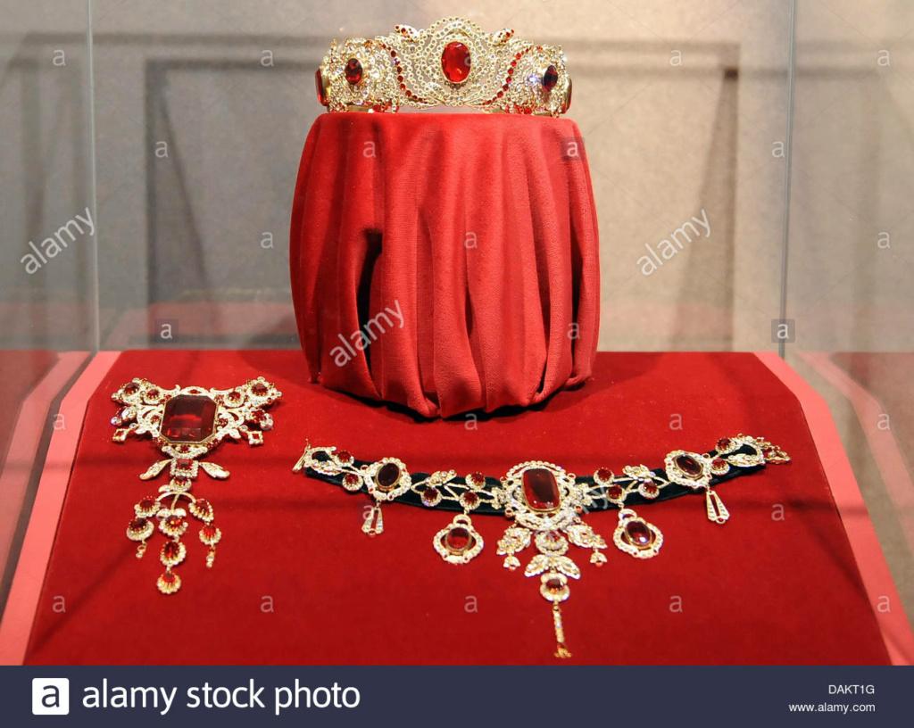 Bijoux de Marie-Antoinette : inventaire des parures, diamants et perles envoyés à Bruxelles durant la Révolution 982ebe10