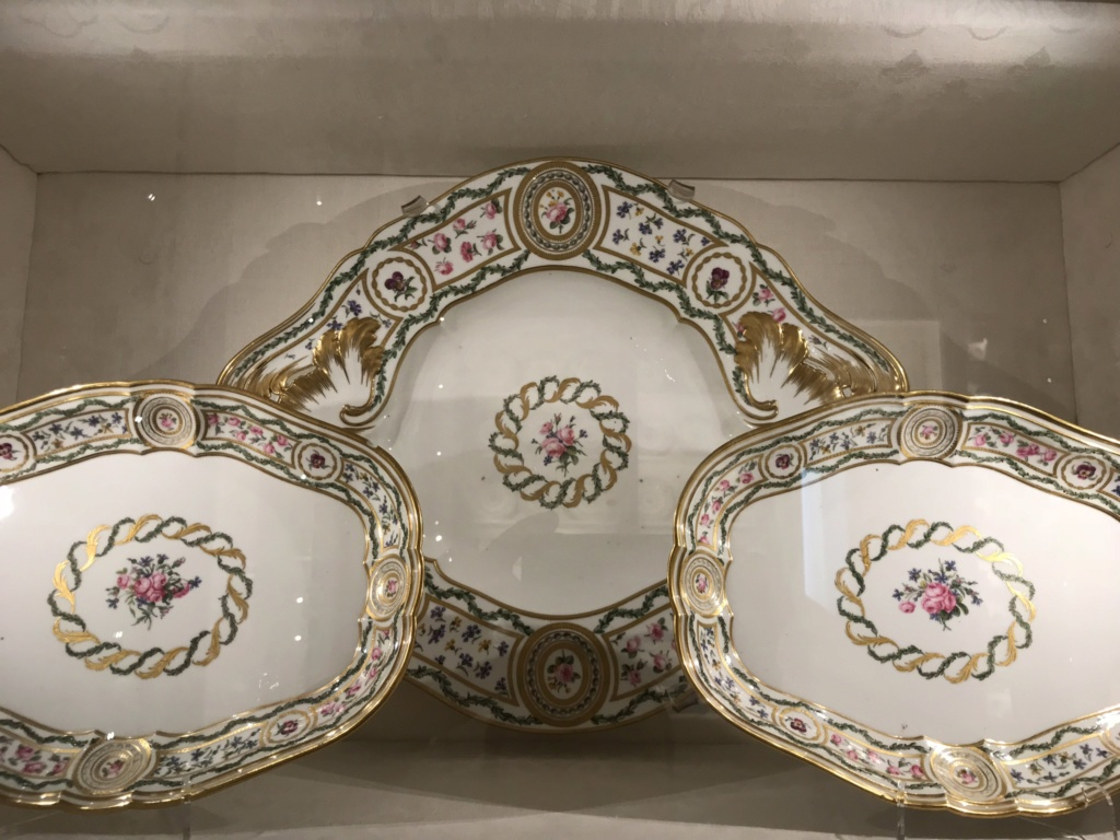 """Le service """"cartels en perles, panneaux en roses et barbeaux'"""" de Marie-Antoinette A2ff9110"""
