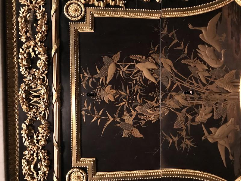 Chinoiseries et meubles de Marie-Antoinette : par Weisweiler, Macret et Riesener - Page 2 A68a6e10