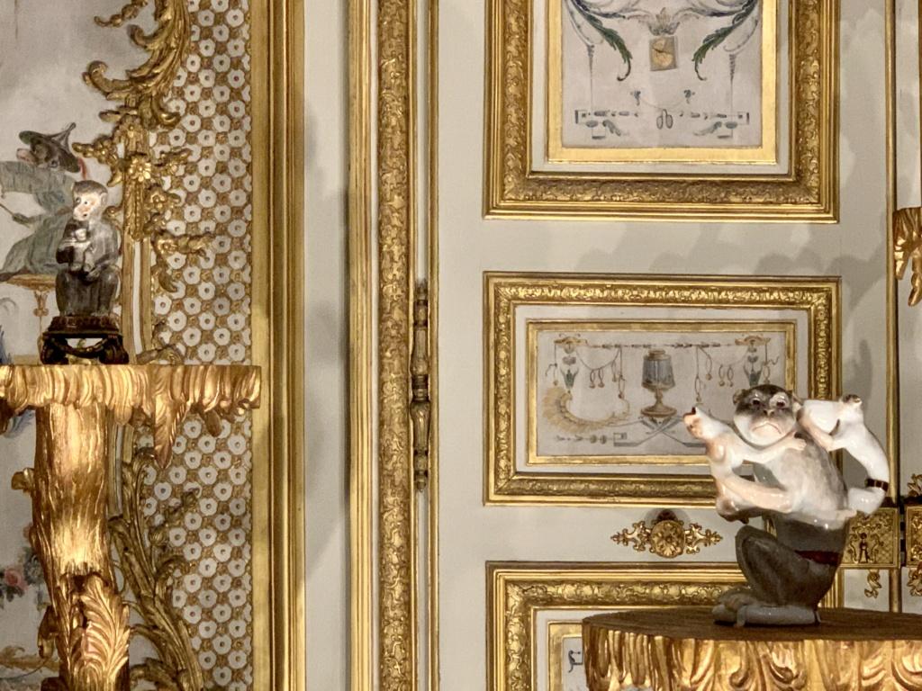 """Chantilly : Exposition """"La fabrique de l'extravagance"""", porcelaines de Meissen et de Chantilly  Aad71f10"""