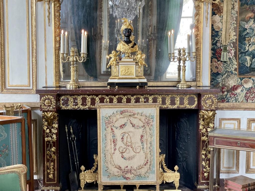 Le Garde-Meuble de la Couronne, actuel Hôtel de la Marine - Page 4 Ae0c6710