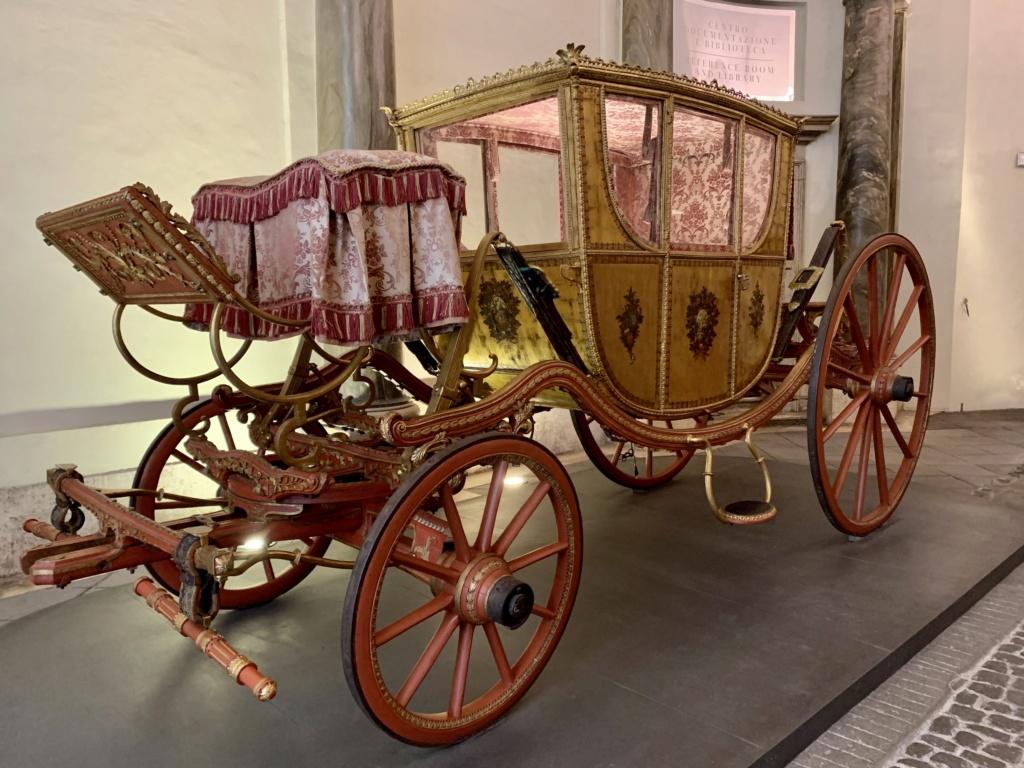 Les véhicules du XVIIIe siècle : carrosses, berlines, calèches, landaus, cabriolets etc. - Page 2 Bdcbfe10