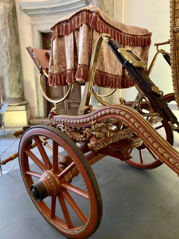 Les véhicules du XVIIIe siècle : carrosses, berlines, calèches, landaus, cabriolets etc. - Page 2 Be7f3210