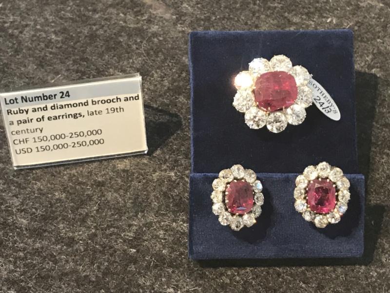 Bijoux de Marie-Antoinette : perles et diamants des Bourbon-Parme - Page 3 Cde4d210