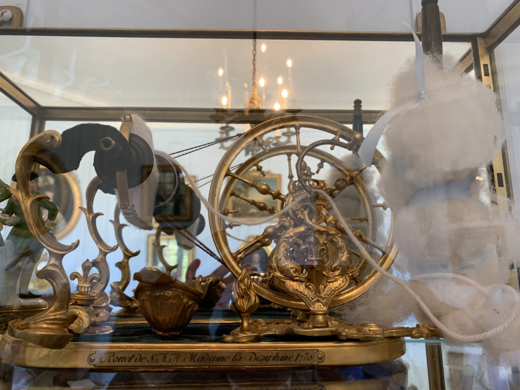Un rouet ayant appartenu à Marie-Antoinette ? Les rouets au XVIIIe siècle D443ba10