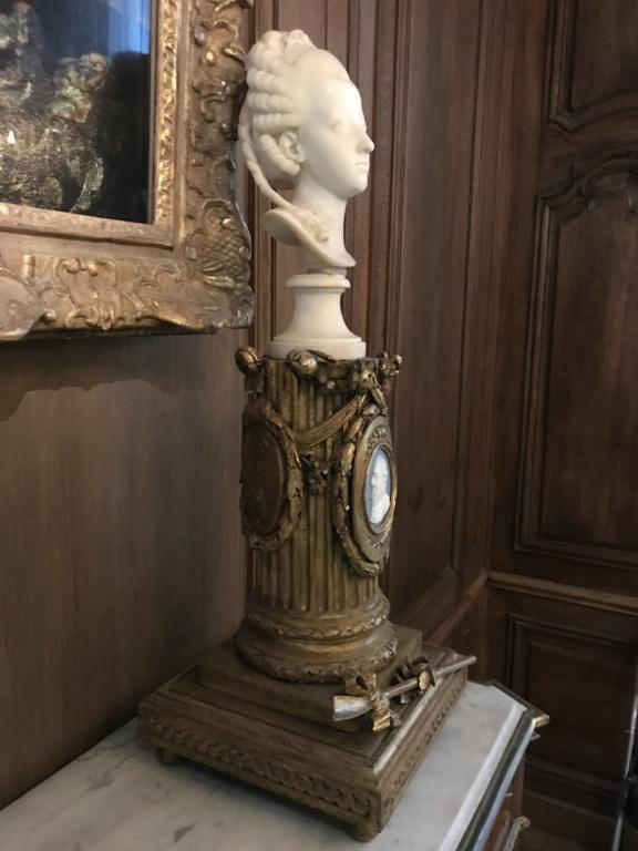 Buste de Marie-Antoinette sur piédestal dynastique, musée Cognacq Jay D4857310