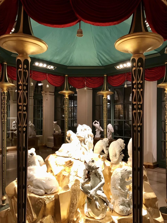 """Chantilly : Exposition """"La fabrique de l'extravagance"""", porcelaines de Meissen et de Chantilly  D64bc510"""