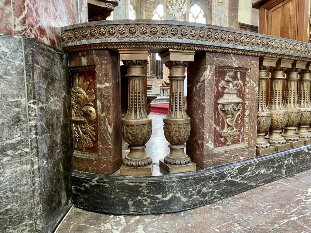 Mobilier royal à l'église St Jacques de Compiègne  E2c8f010