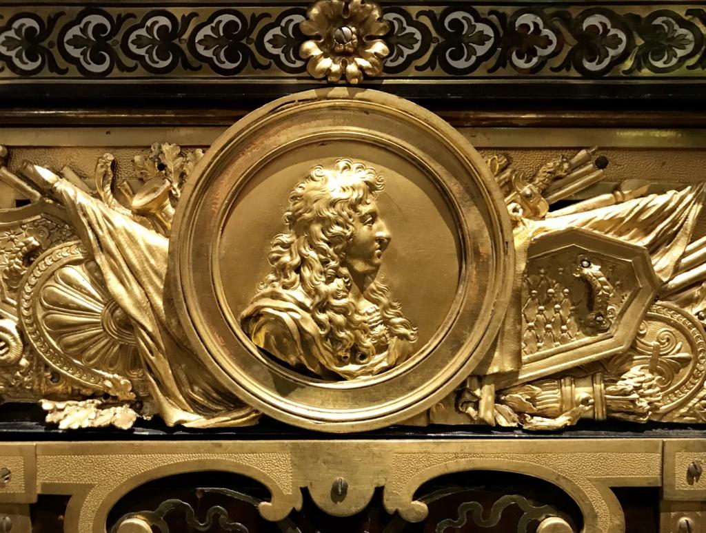 Le mobilier et le renouveau du « style Boulle » dans les années 1770-1780 : Etienne Levasseur et Adam Weisweiler E9187e10
