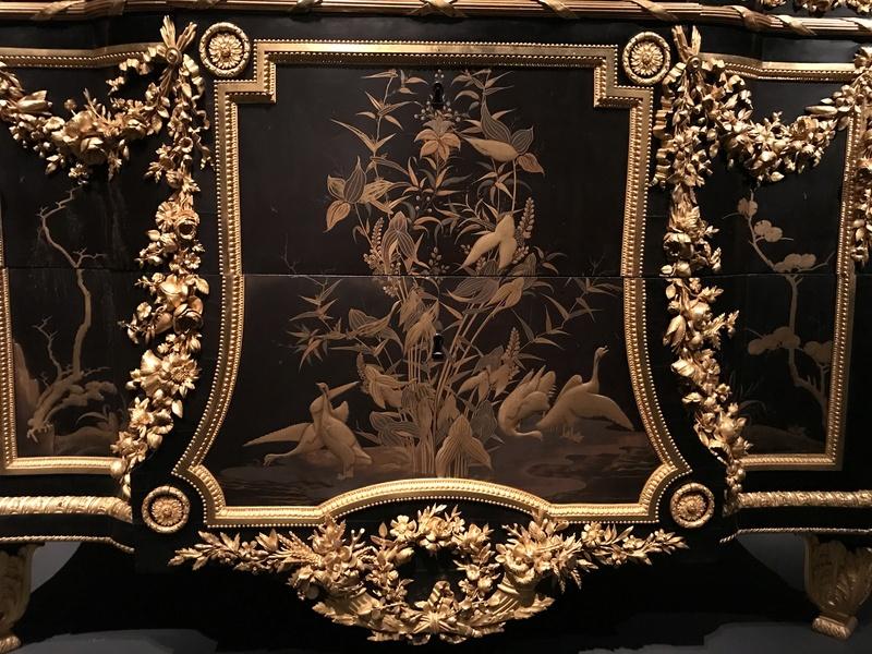 Chinoiseries et meubles de Marie-Antoinette : par Weisweiler, Macret et Riesener - Page 2 E99f1610