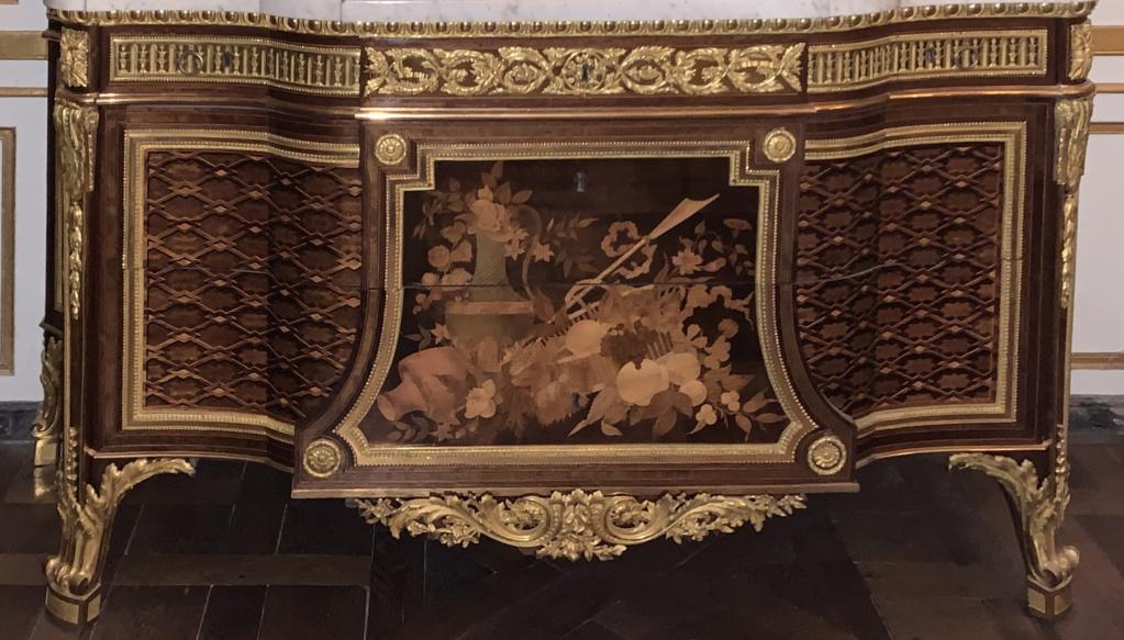 Expo : Napoléon III et Eugénie reçoivent à Fontainebleau - Page 3 F067bf10