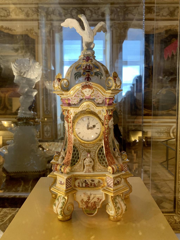 """Chantilly : Exposition """"La fabrique de l'extravagance"""", porcelaines de Meissen et de Chantilly  F1b1f210"""