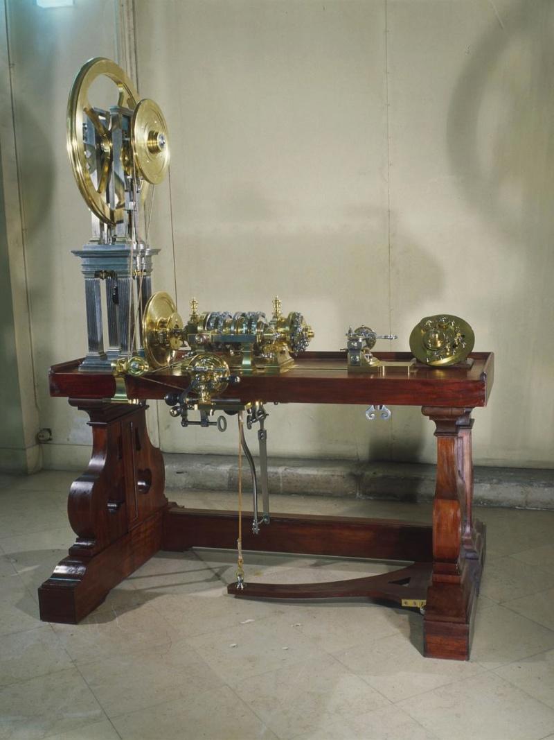 Les petits cabinets scientifiques et ateliers de Louis XVI à Versailles F23a6c10