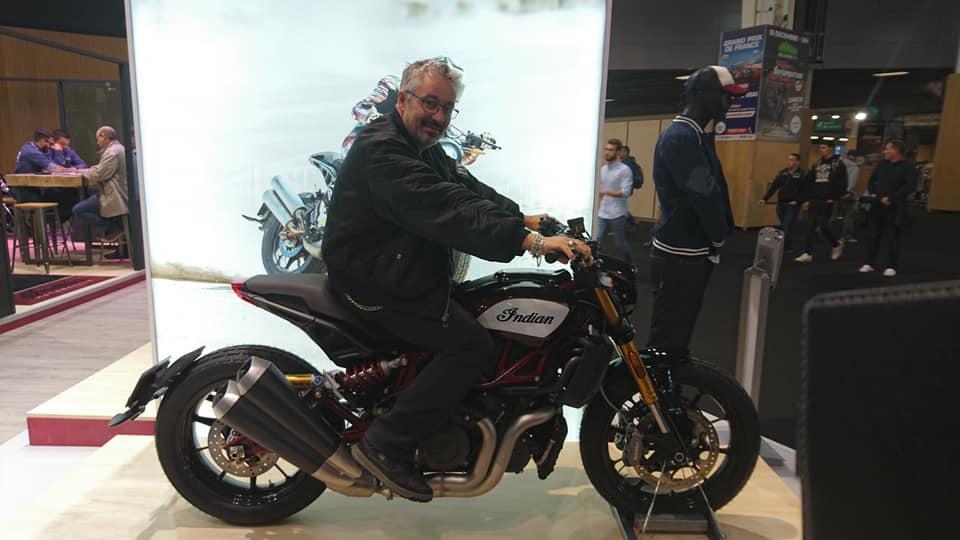 Salon de la moto a Paris 43250510