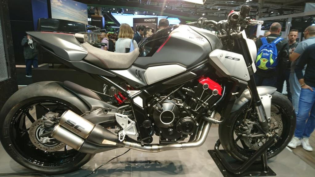 Salon de la moto a Paris 43257210
