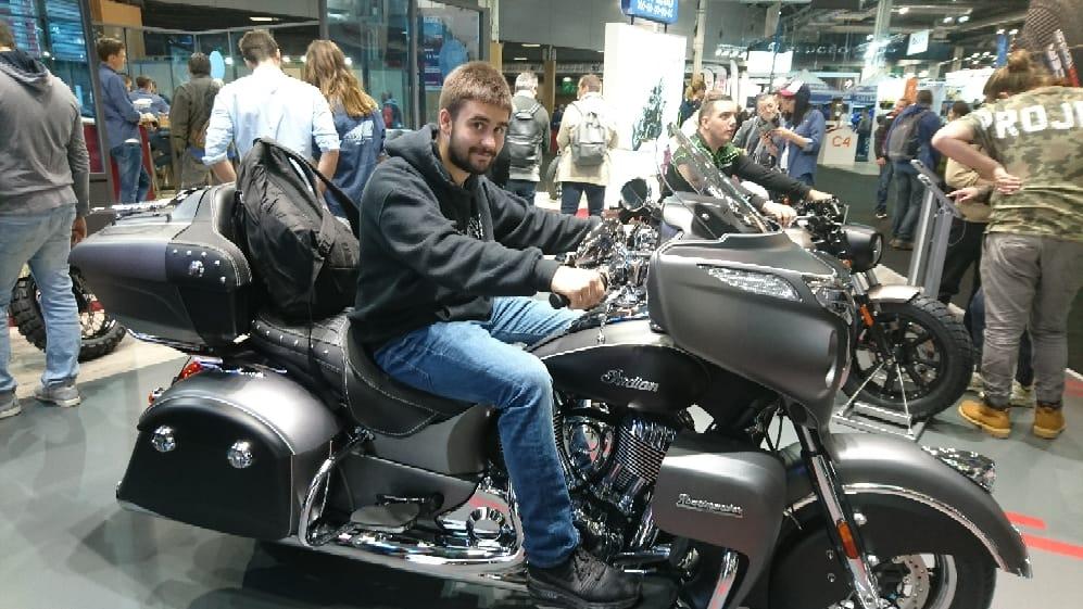 Salon de la moto a Paris 43447410